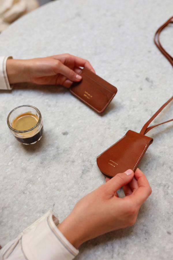 porte-carte en cuir au tannage végétal fabrique en France