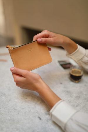 porte-monnaie en cuir au tannage vegetal fabrique en France